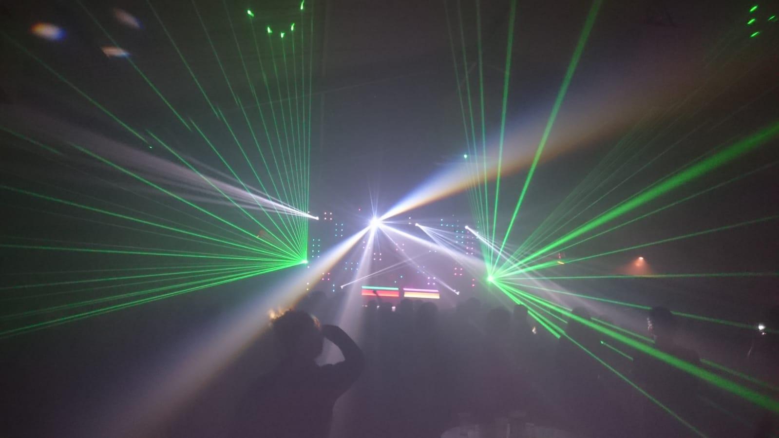 Lasershow Bathmen van Keulen Licht en Geluid